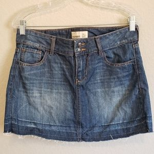4/$25 Old Navy Distressed Jean Skirt